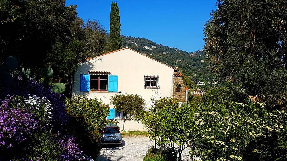 le-rayol-appartments-villa-maria_seitenansicht